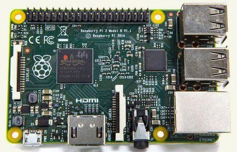 Raspberry Pi 2 - Model B - ARMv7 - 1G RAM - Ajándék hűtőbordával