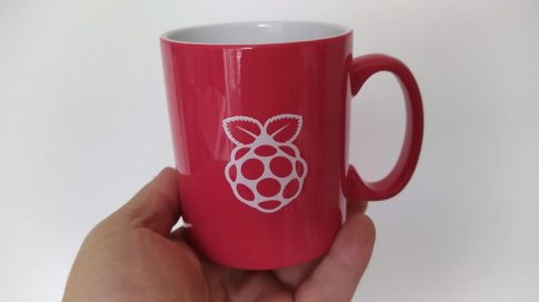 Kerámia bögre - Piros, Raspberry logóval, ajándék teával