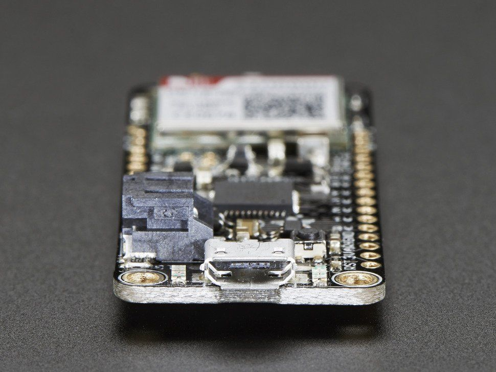 Adafruit Feather 32u4 FONA - Atmel mikrovezérlő + GSM