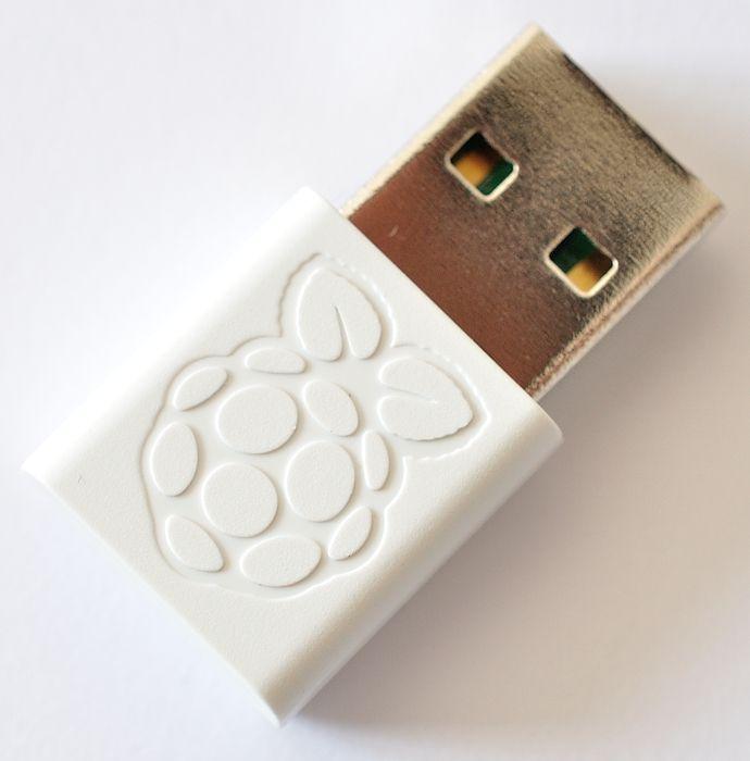 Hivatalos Raspberry PI WIFI adapter - Win10IoT support